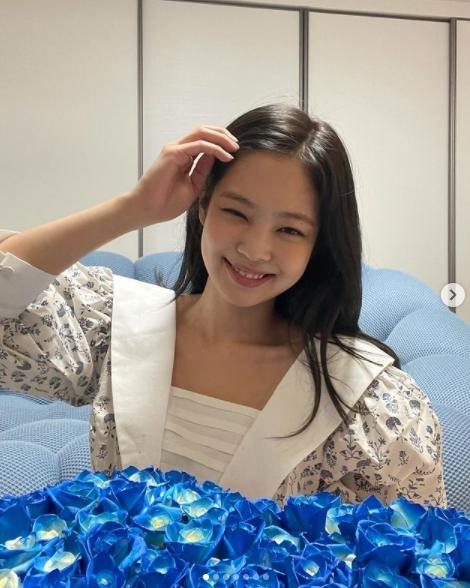 BLACKPINKのジェニーが美容クリニックで最も人気のあると整形外科医が話す