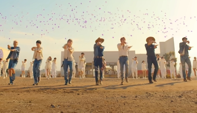 BTSのPermission to Danceがエルトンジョンとコラボ?!手話を交えてWHOも絶賛